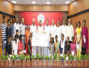 Universal Higher Educaiton Trust Provides Rs. 53 lakh