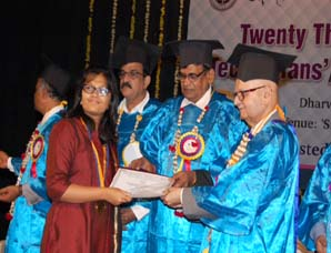 Aditi Palaspure Bags Gold medal in All India Design Competition