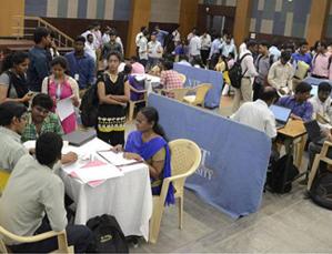 866 Candidates get Jobs at VIT University Mela