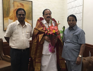 Dr. G. Viswanathan, Chancellor and Mr. Sankar Viswanathan, Vice President calling on His Excellency the Vice President of India, Shri M. Venkaiah Naidu in Delhi on 1st September 2017